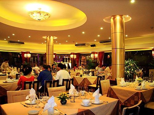 Nâng tính chuyên nghiệp cho khách sạn, nhà hàng